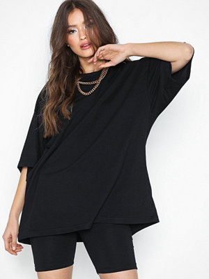 Missguided Dropped Shoulder T-shirt & Cycling Shorts