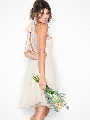 Festklänningar - NLY Eve Midi Mesh Dress