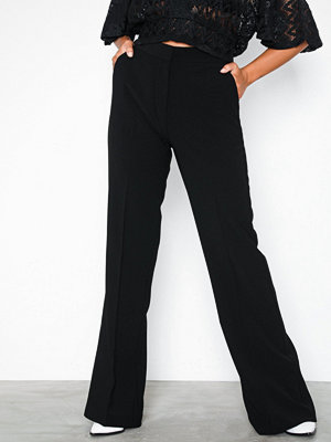 NLY Trend svarta byxor Shaped Suit Pants