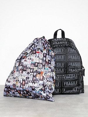 Eastpak svart ryggsäck med tryck Padded Pak'r