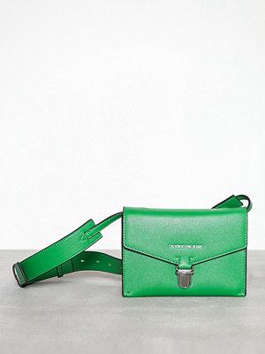 Calvin Klein grön axelväska Sculpted Envelope Sling