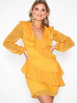 Festklänningar - NLY Trend Heavenly Flounce Dress