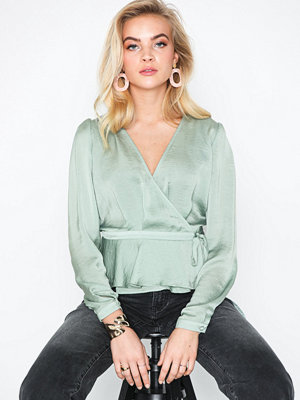 NLY Trend Lovely Wrap Blouse