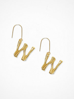 NLY Accessories örhängen Bamboo Letter Earrings W