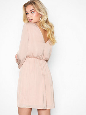NLY Trend Dreamy Ballon Dress