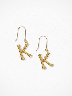 NLY Accessories örhängen Bamboo Letter Earrings K