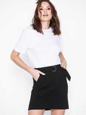 New Look Crepe D-Ring Mini Skirt