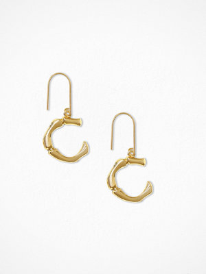 NLY Accessories örhängen Bamboo Letter Earrings C