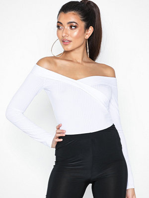 NLY One Cross Shoulder Top