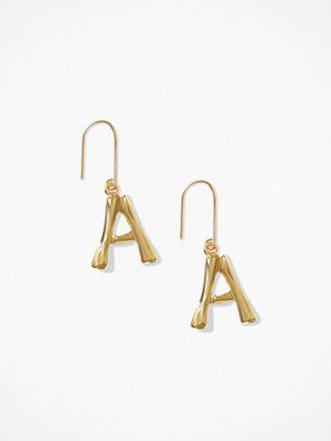 NLY Accessories örhängen Bamboo Letter Earrings A