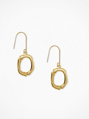 NLY Accessories örhängen Bamboo Letter Earrings O