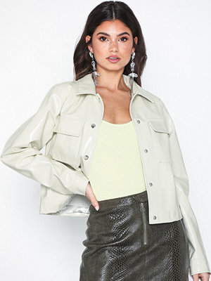 Skinnjackor - NLY Trend Cropped Detailed Jacket