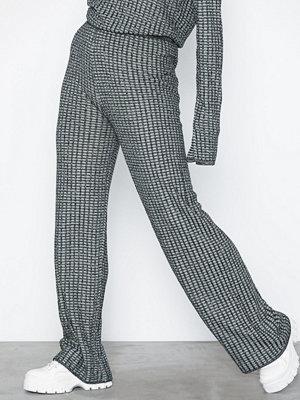 NLY Trend grå rutiga byxor Knitted Lurex Pants