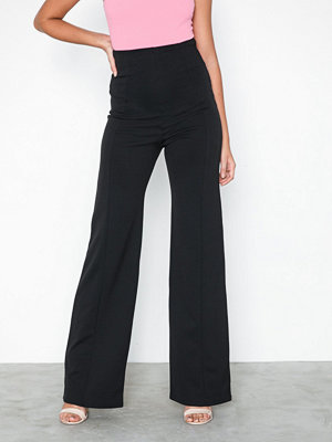 NLY One svarta byxor Shape High Wide Pant