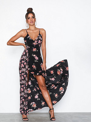 Ax Paris Strappy Flower Maxi Dress
