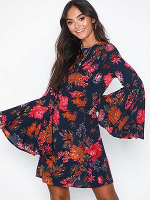 Ax Paris Long Sleeve Flower Dress