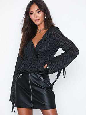 Glamorous Long Sleeve Cropped Top