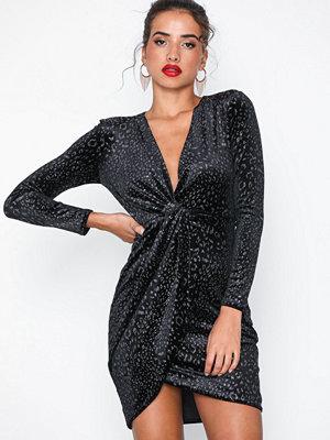 New Look Velvet Glitter Leopard Print
