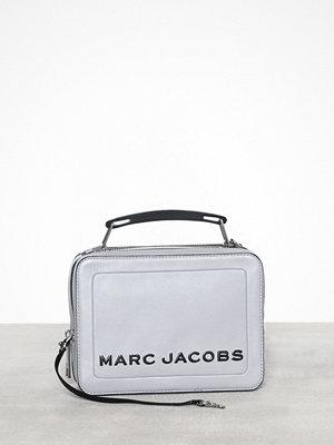 Marc Jacobs ljusgrå axelväska The Box 23