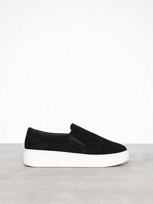 Duffy Faux Suede Slip-On Sneaker Svart