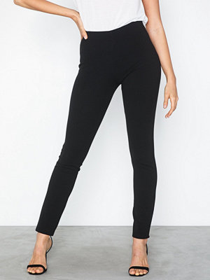Sisters Point svarta byxor Naro Pants