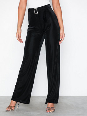 NLY Trend svarta byxor Ribbed Suit Pants