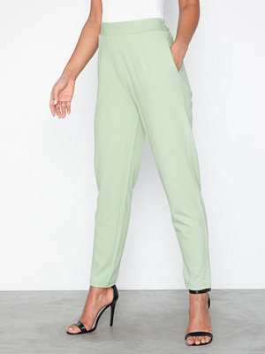 NLY Trend omönstrade byxor Slim Suit Pants