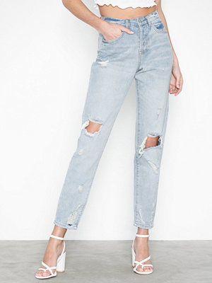 Missguided Riot Busted Knee High Rise Mom Jeans