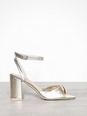 Pumps & klackskor - NLY Shoes Twist Heel Sandal Light Gold