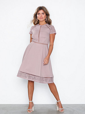 NLY Eve Trim Short Sleeve Dress