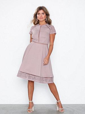 Festklänningar - NLY Eve Trim Short Sleeve Dress