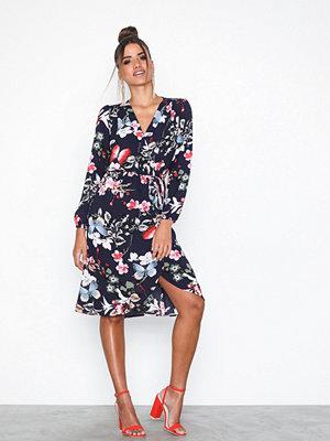 Ax Paris Long Sleeve Dress