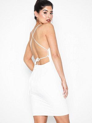 Festklänningar - NLY One 90's Strap Dress