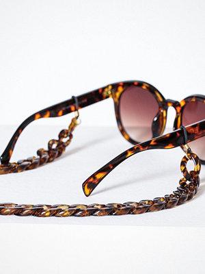 Solglasögon - Pieces Pccarrie Sunglass Chain Mörk Brun