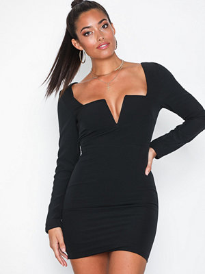 NLY One Sharp V-Neck Dress
