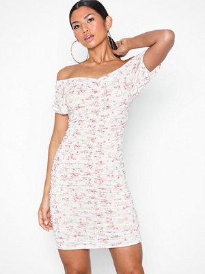 NLY Trend Puff Off Shoulder Dress