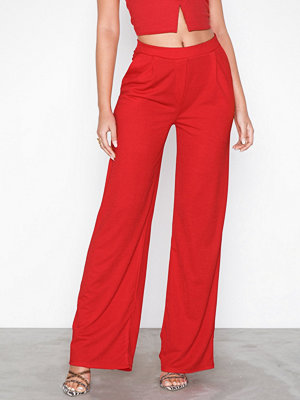 NLY Trend röda byxor Tailored Wide Pants