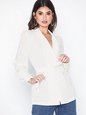 NLY Trend Tie Suit Blouse