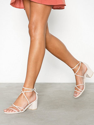 NLY Shoes Flirty Strap Low Block