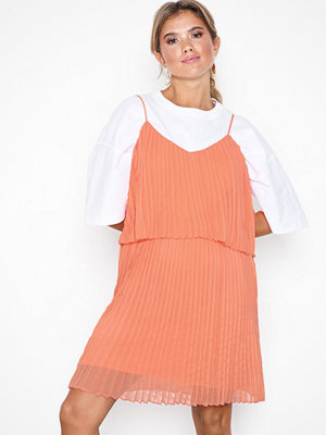 NLY Trend Flirty Pleated Cami Dress