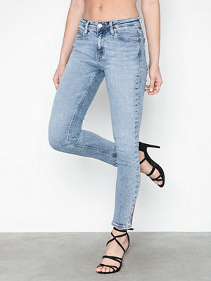 Calvin Klein Jeans 011 Mid Rise Skinny Ankle