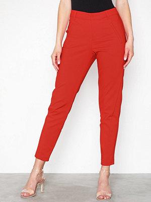 Vero Moda röda byxor Vmvictoria Mr Antifit Ankle Pants C