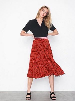 Closet Leopard Plissé Skirt