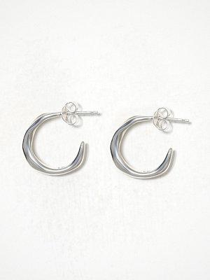 Cornelia Webb örhängen Molded Organic Hoop Earring s -Pair