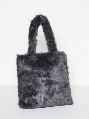 Handväskor - NuNoo Tote Hairy