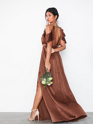 NLY Eve Frill Shoulder Gown