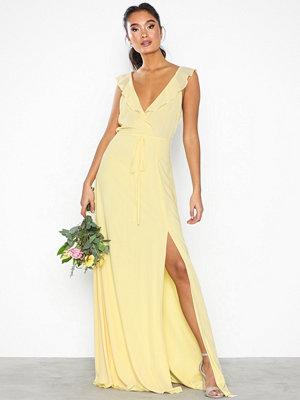 Festklänningar - NLY Eve Flowy Flounce Wrap Gown Ljus Gul