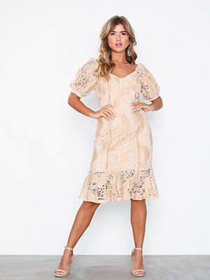 NLY Eve Puff Sleeve Lace Dress