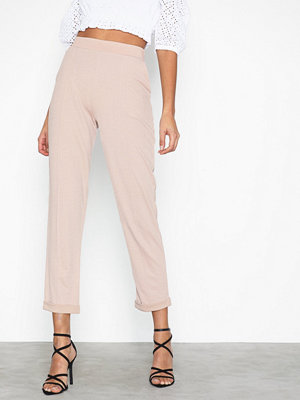 NLY Trend byxor Dressed Tailored Pants Mushroom