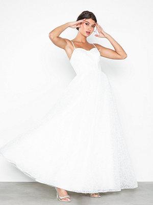 Festklänningar - Maya Embroidered Bridal Maxi Dress